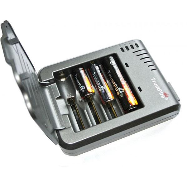 Trust-Fire-Vape-Battery-Charger-In-Pakistan5